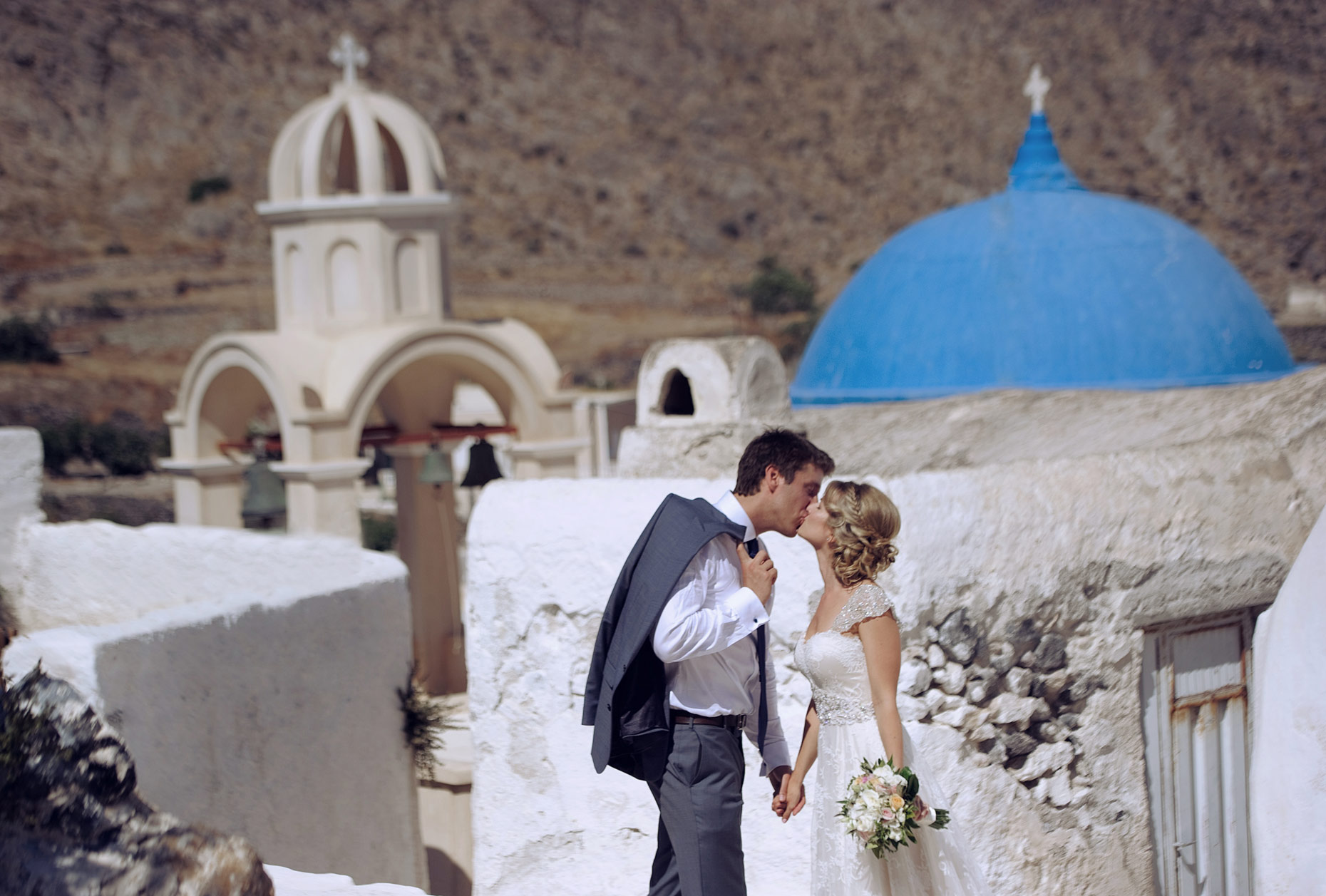 couple session santorini at Emporio